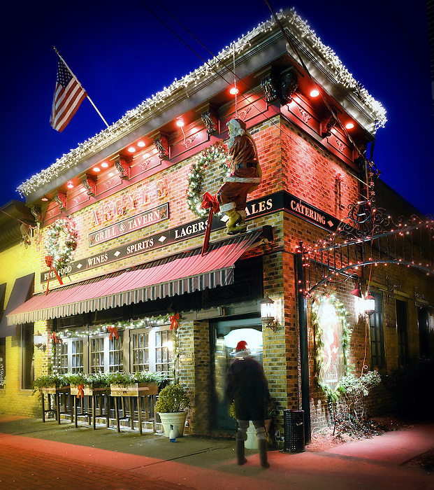 Argyle Grill and Tavern in Babylon Village - With Holiday / Santa Decorations