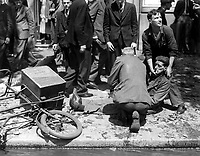 La Vie a Londres pendant la guerre.  Voici un homme blesse' par la chute d'un V-l.  Life in London during the war.  Here is a man who was injured by the fall of a V-1, Ca.  1940.   New Times Paris Bureau Collection.  (USIA)<br /> Exact Date Shot Unknown<br /> NARA FILE #:  306-NT-3176V<br /> WAR &amp; CONFLICT BOOK #:  1008