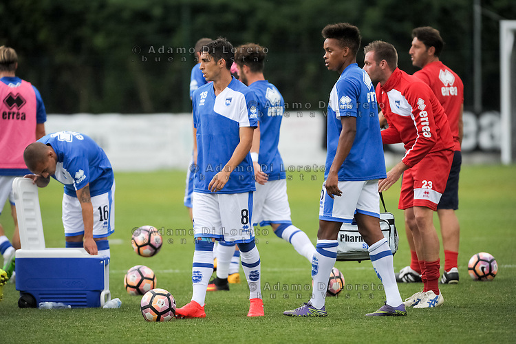 The Pescara Team during the withdrawal preseason Serie A; match friendly between Pescara vs San Nicolò, on July 28, 2016. Photo: Adamo Di Loreto/BuenaVista*photo