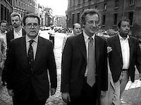 Roma  1998.Romano Prodi, Presidente del Consiglio dei Ministri  e Walter Veltroni,  Vicepresidente del Consiglio dei ministri in via delle Botteghe Oscure.