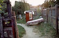 ROMANIA, BUcharest, July 1984..In Uranus quarter before the demolitions..ROUMANIE, Bucarest, Juillet 1984..Dans le quartier Uranus avant les démolitions..© Andrei Pandele / EST&OST