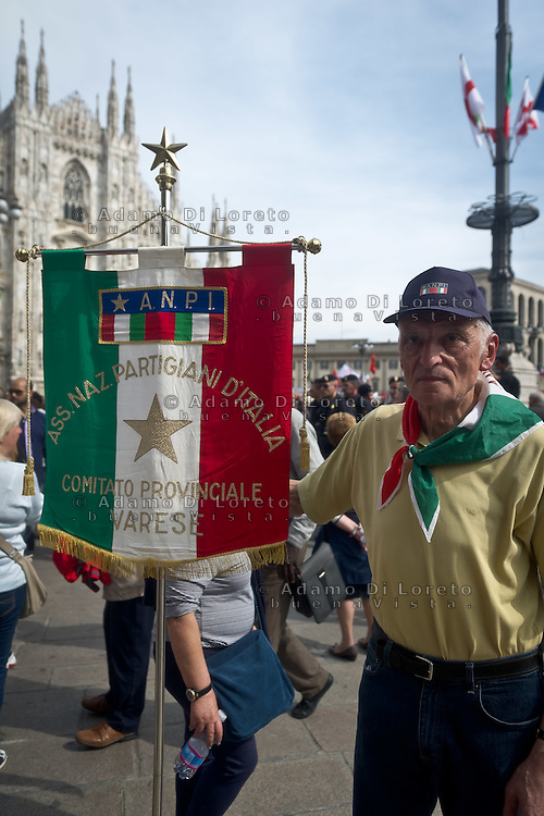 A veteran of war in Dome Square during 25 April demonstration italian liberation of Nazi Fascism World War II thanks by partigiani, on April 25, 2014. Photo: Adamo Di Loreto/BuenaVista*photo