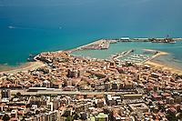 PESCARA 19/07/2012:Foto aere della costa abruzzese. Nella foto una veduta del porto di Ortona - Chieti - Qui in questo mare dovrebbe sorgere l'ombina mare.  Foto Adamo Di Loreto/BuenaVista*photo