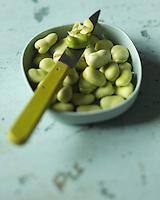 Gastronomie:   Fèves / Gastronomy: Beans - Stylisme : Valérie LHOMME