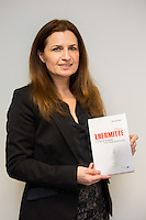 EXCLUSIF : Affaire Lhermitte - Conf&eacute;rence de presse pour la sortie du livre : &quot; Affaire Lhermitte, chronique d'un drame annonc&eacute; &quot;, en pr&eacute;sence de la journaliste et auteure Alessandra d'Angelo, Michel Schaar, Hugues Cro&egrave;s, psychoth&eacute;rapeute, expert aupr&egrave;s des tribunaux et Alexis Deswaef, avocat et Pr&eacute;sident de la Ligue des Droits de l'Homme.<br /> Belgique, Bruxelles, 15 f&eacute;vrier 2017