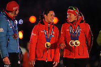 SCHAATSEN: AMSTERDAM: Olympisch Stadion, 28-02-2014, KPN NK Sprint/Allround, Coolste Baan van Nederland, Huldiging Olympische medaillewinnaars, Marrit Leenstra, Lotte van Beek, ©foto Martin de Jong