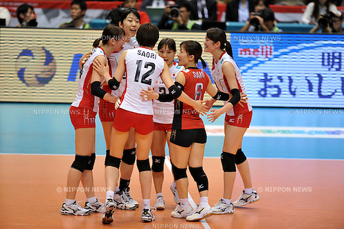 Japan Women's Volleyball Team Group (JPN),.MAY 20, 2012 - Volleyball : FIVB the Women's World Olympic Qualification Tournament for the London Olympics 2012, between Japan 3-0 Chinese Taipei at Tokyo Metropolitan Gymnasium, Tokyo, Japan. (Photo by Jun Tsukida/AFLO SPORT) [0003].