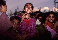 Ragazzi dell' hasram di Kailash Satyarthi Nobel per la pace 2014 (inizi anni 2000)<br /> Ritratto di ragazza sorridente