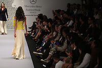 people in the world of fashion watch the parade by Mexican designer Alejandro Carlin, during the Mercedes Benz Fashion Week Mexico Spring/Summer 2015, in Mexico City, 10.01.2014. VIEWpress / Miguel Angel Pantaleon