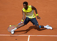 Gael Monfils (FRA) (11) against Bobby Reynolds (USA) in the first round of the Men's Singles. Monfils beat Reynolds 6-2 6-3 6-1..Tennis - French Open - Day 3 - Tues 26th May 2009 - Roland Garros - Paris - France..Frey Images, Barry House, 20-22 Worple Road, London, SW19 4DH.Tel - +44 20 8947 0100.Cell - +44 7843 383 012