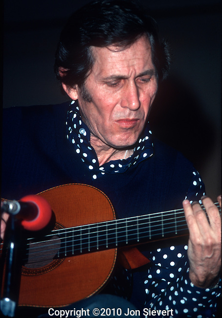 Chet Atkins, Jan 1976