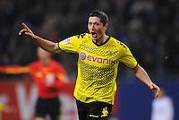 FUSSBALL   1. BUNDESLIGA   SAISON 2011/2012   18. SPIELTAG Hamburger SV - Borussia Dortmund     22.01.2012 Robert Lewandowski (Borussia Dortmund) bejubelt seinen Treffer zum 2:0