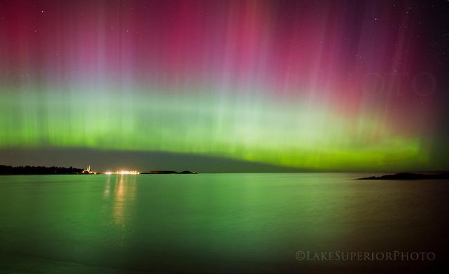 """""""the curtain"""" aurora borealis, McCarty's Cover, Marquette, MI 10/02/2013"""