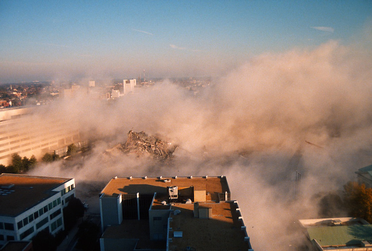 1996 November 24..Redevelopment..Macarthur Center.Downtown North (R-8)..SEQUENCE 22.IMPLOSION OF SMA TOWERS.LOOKING NORTH FROM ROOFTOP .OF MAIN TOWER EAST.PV3..NEG#.NRHA#..