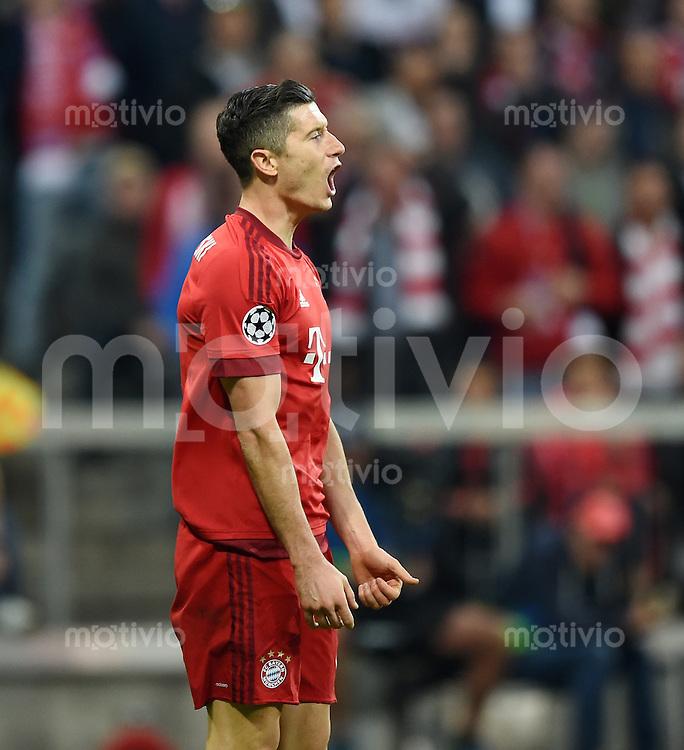 FUSSBALL CHAMPIONS LEAGUE  SAISON 2015/2016 VIERTELFINAL HINSPIEL FC Bayern Muenchen - Benfica Lissabon         05.04.2016 Robert Lewandowski (FC Bayern Muenchen)