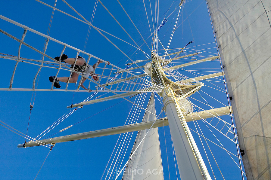 Mast climbing for passengers aboard the Star Clipper.