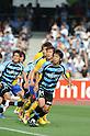 (R-L) Kengo Nakamura (Frontale), Yoshiaki Ota (Vegalta),.MAY 26, 2012 - Football / Soccer :.2012 J.League Division 1 match between Kawasaki Frontale 3-2 Vegalta Sendai at Todoroki Stadium in Kanagawa, Japan. (Photo by Hitoshi Mochizuki/AFLO)
