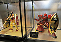 February 9, 2012, Tokyo, Japan - Fighting robots applied with traditional lacquer technique are shown in the Tokyo International Gift show at the Big Sight in Tokyo on Thursday, February 9, 2012. A total of 2,500 companies, including 220 from 22 foreign countries and regions, showcased three million amazing new products during the three-day exhibition. (Photo by Natsuki Sakai/AFLO) AYF -mis-