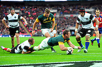 Roelof Smith of South Africa scores a try in the first half. Killik Cup International match, between the Barbarians and South Africa on November 5, 2016 at Wembley Stadium in London, England. Photo by: Patrick Khachfe / JMP