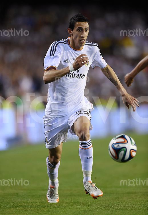 FUSSBALL  INTERNATIONAL Copa del Rey FINALE  2013/2014    FC Barcelona - Real Madrid            16.04.2014 Angel Di Maria (Real Madrid) am Ball