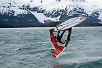 Surfing vor den Gletschern Alaska
