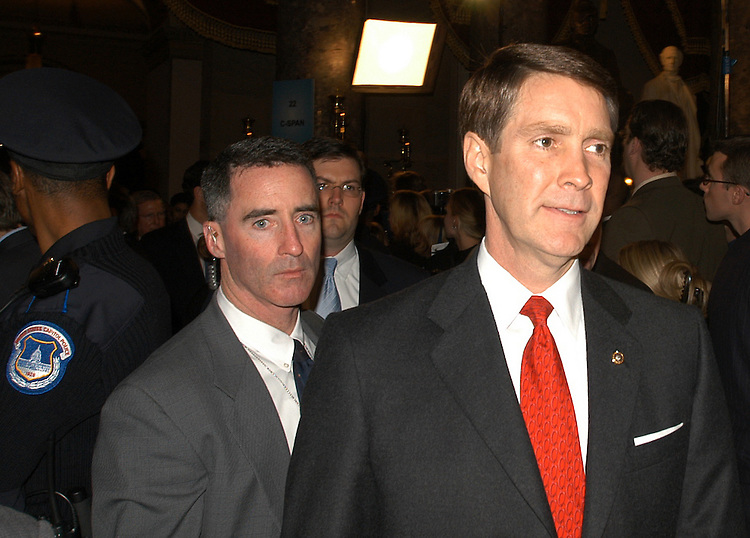 stou12/012803 - Sen. Bill Frist, R-Tn., in Statuary Hall after the State of the Union.