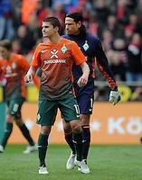 FUSSBALL   1. BUNDESLIGA   SAISON 2011/2012   29. SPIELTAG 1. FC Koeln - SV Werder Bremen                           07.04.2012 Aleksandar Ignjovski und Torwart Tim Wiese (v.l., beide SV Werder Bremen)  sind enttaeuscht