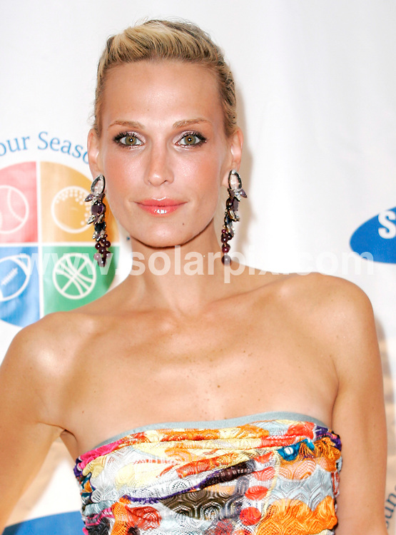 **ALL ROUND PICTURES FROM SOLARPIX.COM**.**SYNDICATION RIGHTS FOR UK, AUSTRALIA, DENMARK, PORTUGAL, S. AFRICA, SPAIN & DUBAI (U.A.E) ONLY**.Molly Sims arrives for the 8th Annual Samsung Four Seasons of Hope Gala at Cipriani, New York City, NY, USA. 16 June 2009..This pic: Molly Sims..JOB REF: 9629 PHZ (Ward)   DATE: 16_06_2009 .**MUST CREDIT SOLARPIX.COM OR DOUBLE FEE WILL BE CHARGED**.**ONLINE USAGE FEE GBP 50.00 PER PICTURE - NOTIFICATION OF USAGE TO PHOTO @ SOLARPIX.COM**.**CALL SOLARPIX : +34 952 811 768 or LOW RATE FROM UK 0844 617 7637**