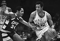 Golden State Warrior JoJo White against Cavalier..<br />(1979 photo/Ron Riesterer)
