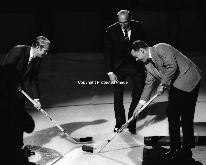 California Golden Seals 1967 Season opener at the Oakland Alameda County Coliseum. Robert Nahouse drops puck for <br />