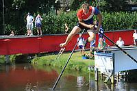 FIERLJEPPEN: VLIST: 22-08-2015, NK Fierljeppen/Polstokverspringen, Jaco de Groot (heren) 20.25m, Klaske Nauta (dames), 16.31m, Erwin Timmerarends (junioren) 19.79m, Gerwin Kastelein (jongens) 17.17m, Winnaar  Jaco de Groot uit Woerden (heren) 20.25m, ©foto Martin de Jong