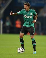 FUSSBALL   CHAMPIONS LEAGUE   SAISON 2013/2014   PLAY-OFF FC Schalke 04 - Paok Saloniki        21.08.2013 Jermaine Jones (FC Schalke 04) am Ball