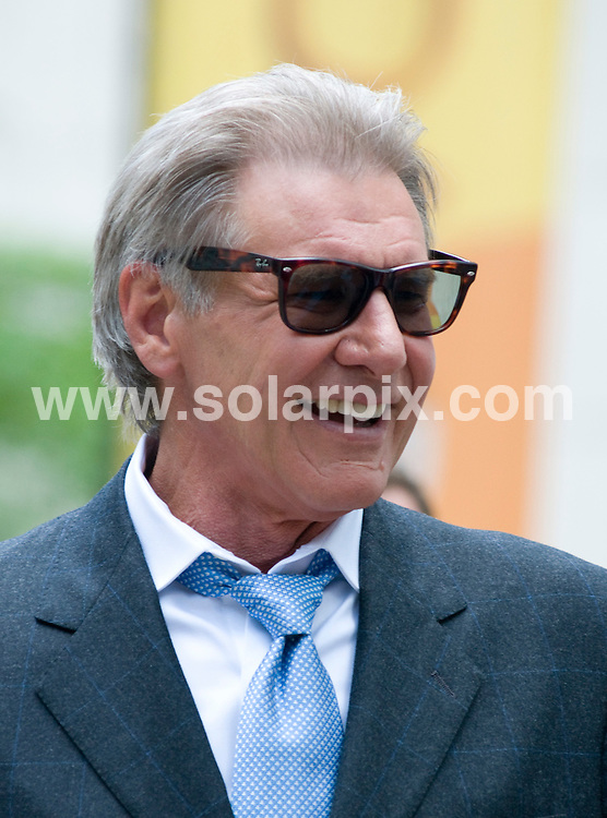 "**ALL ROUND PICTURES FROM SOLARPIX.COM**.**SYNDICATION RIGHTS FOR UK, AUSTRALIA, DENMARK, PORTUGAL, S. AFRICA, SPAIN & DUBAI (U.A.E) ONLY**.""Morning Glory"" Filming in Midtown Manhattan, New York, USA. June 23, 2009..This pic: Harrison Ford..JOB REF: 9328 PHZ (Mayer)   DATE: 23_06_2009.**MUST CREDIT SOLARPIX.COM OR DOUBLE FEE WILL BE CHARGED**.**ONLINE USAGE FEE GBP 50.00 PER PICTURE - NOTIFICATION OF USAGE TO PHOTO @ SOLARPIX.COM**.**CALL SOLARPIX : +34 952 811 768 or LOW RATE FROM UK 0844 617 7637**"