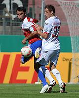 FUSSBALL  DFB POKAL        SAISON 2012/2013 SpVgg Unterchaching - 1. FC Koeln  18.08.2012 Yasin Yilmaz (li, Unterhaching) gegen Matthias Lehmann (1. FC Koeln)