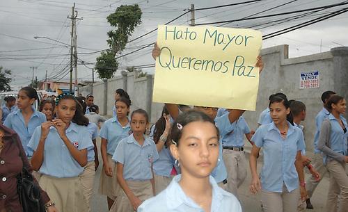 Reclamo de paz y seguridad en el barrio Hato Mayor, de Santiago.