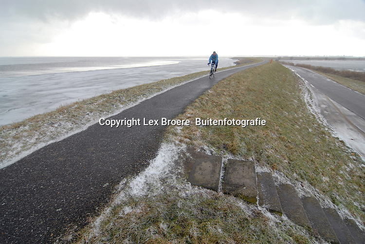 In de winter langs het IJmeer