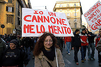 Roma 11 Marzo 2006.Strett Parade nazionale, organizzata dal movimento antiproibizionista, per chiedere l'abrogazione della legge Fini-Giovanardi, sulle droghe..Rome March 11, 2006.National Strett Parade,organized by the prohibitionist movement,to demand the repeal of the law Fini-Giovanardi, on the drugs..tha banner reads:I am a joint, I deserve it .