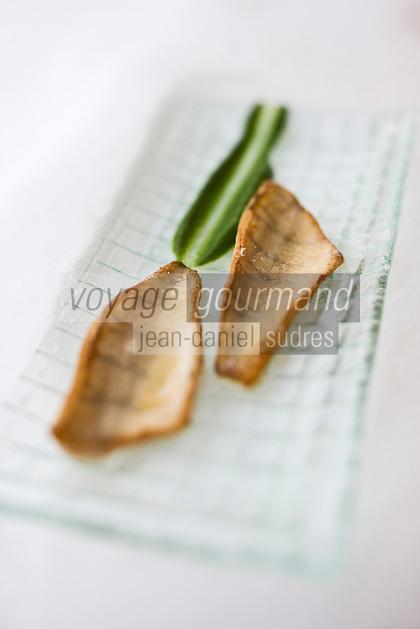 Europe/France/Rhone-Alpes/74/Haute-Savoie/Megève: les perches du Léman d'Eric Jacquier recette d' Emmanuel Renault  Restaurant: Flocons de Sel - Route de Rochebrune