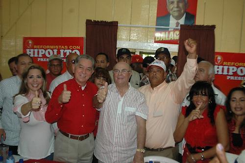 Los reformistas de Villa Altagracia deciden apoyar a Hipólito Mejía