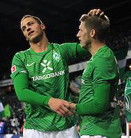 FUSSBALL   1. BUNDESLIGA   SAISON 2011/2012    14. SPIELTAG SV Werder Bremen - VfB Stuttgart       27.11.2011 Marko ARNAUTOVIC (li) und Aaron HUNT (re, beide Bremen) jubeln nach dem 2:0