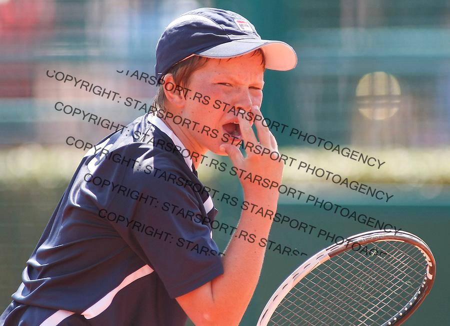 Tenis, World Championship U-14.USA Vs. Korea, boys.Hyeon Chung Vs. Stefan Kozlov.Stefan Kozlov, react.Prostejov, 02.08.2010..foto: Srdjan Stevanovic/Starsportphoto ©