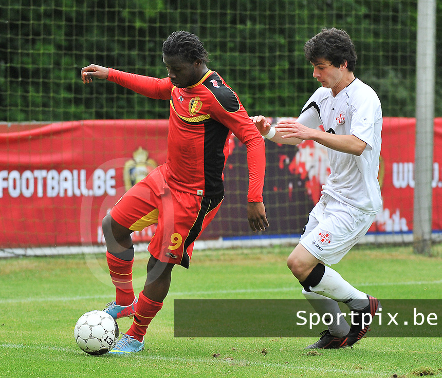 Georgia U19 - Belgium U19 : Nathan Kabasele (9) and Nika Tchanturia (13)<br /> foto DAVID CATRY / Nikonpro.be