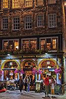 Deacon Broadie's Tavern in Edinburgh at night.