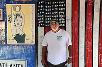 im Garten von B.O.s Fish Wagon. Key West. Sandwich shop at the corner of Caroline and William Streets..Im Bild: Chef Buddy Owen ..Florida 2009..Foto © Stefan Falke.