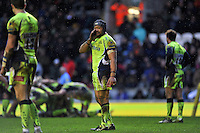 Sam Tuitupou of Sale Sharks has a word with his backline. Aviva Premiership match, between Leicester Tigers and Sale Sharks on February 6, 2016 at Welford Road in Leicester, England. Photo by: Patrick Khachfe / JMP