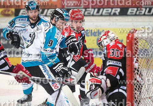 17.11.2015, Tiroler Wasserkraft Arena, Innsbruck, Österreich, EBEL, HC TWK Innsbruck die Haie vs EHC Liwest Black Wings Linz, 21. Runde, im Bild vl.:  Daniel Mitterdorfer (EHC Liwest Black Wings Linz), Jason Ulmer (EHC Liwest Black Wings Linz), Nick Schaus (HC TWK Innsbruck  Die Haie), Andy Chiodo (HC TWK Innsbruck Die Haie) // during the Erste Bank Icehockey League 21st round match between HC TWK Innsbruck  die Haie and EHC Liwest Black Wings Linz at the Tiroler Wasserkraft Arena in Innsbruck, Austria on 2015/11/17. EXPA Pictures © 2015, PhotoCredit: EXPA/ Jakob Gruber