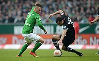FUSSBALL   1. BUNDESLIGA   SAISON 2012/2013    26. SPIELTAG SV Werder Bremen - Greuther Fuerth                        16.03.2013 Marko Arnautovic (li, SV Werder Bremen) gegen Mergim Mavraj (re, Greuther Fuerth)