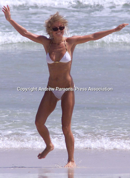 Geri Halliwell on the beach at the Hilton Hotel in Salalah, Oman, Saturday 6th October 2001. Geri will be performing a live concert for the Armed forces at camp in the middle of the desert .Photo By Andrew Parsons/Press Association