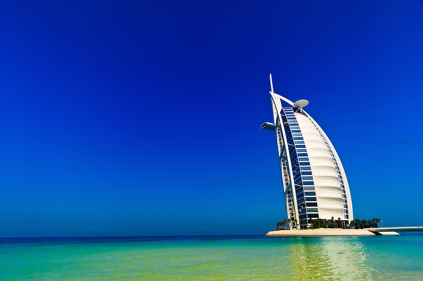 Burj al arab hotel designed to resemble a billowing sail for The sail hotel dubai
