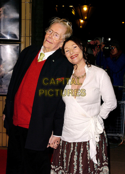 "PETER O'TOOLE & daughter KATE.The ""Venus"" UK premiere, Chelsea Cinema,.London, England, 22nd January 2007..half length father dad family child white wrap around shirt long skirt.CAP/CAN.©Can Nguyen/Capital Pictures"